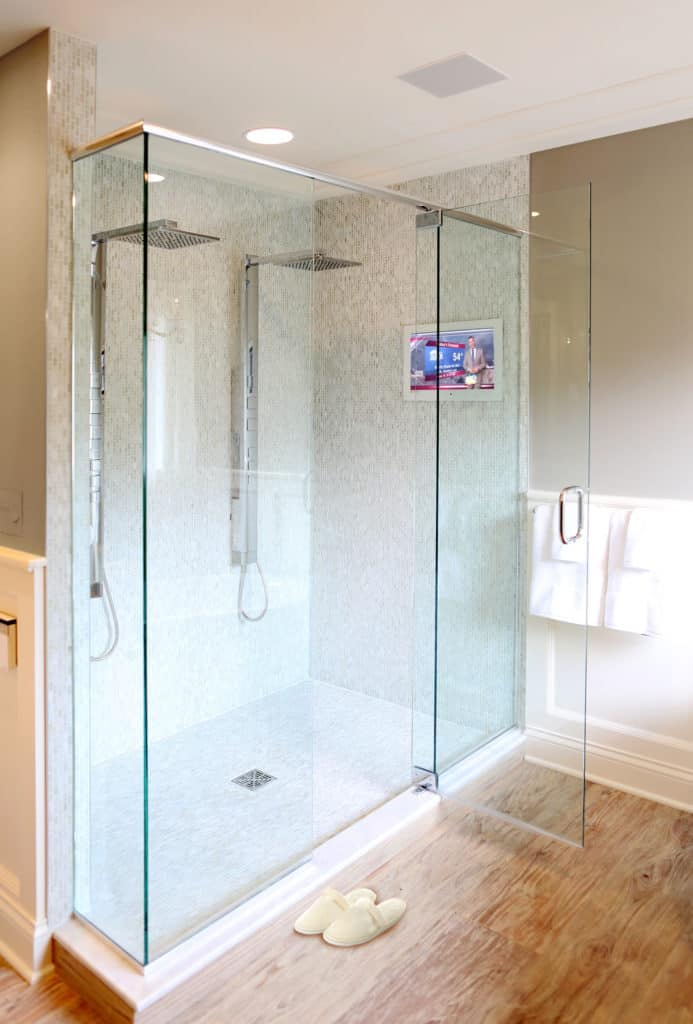 Seura Indoor Waterproof TV full shower